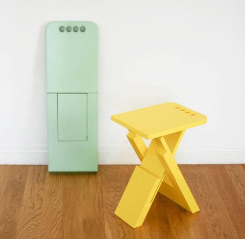 Flat folding chair (via Sgabo Folding Stool by Alessandro Di Prisco - Design Milk)