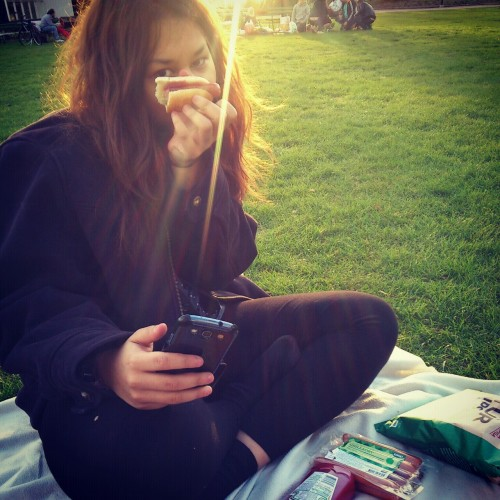 had a picnic with my friend @sun-song and grilled sausages in the park today. it looks like it was really nice and warm in the picture, but it wAS NOT. we were freezing like hell. despite that, I had a really nice time.