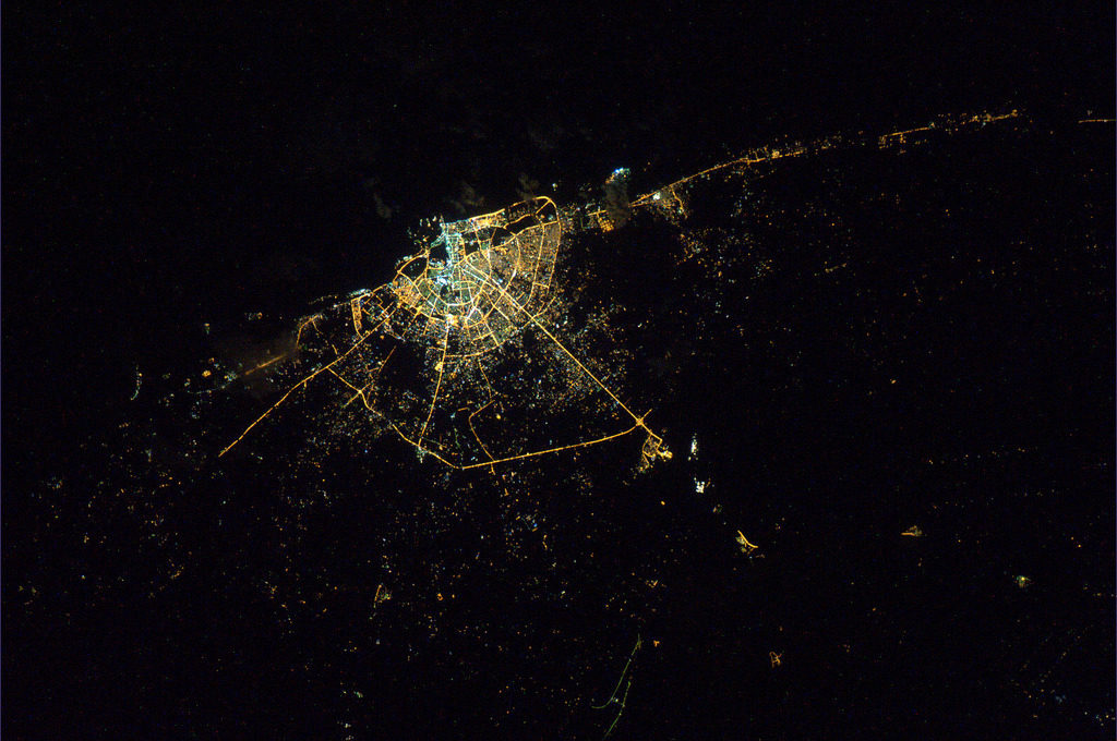 estimfalos:  Cities by night - European Space Agency