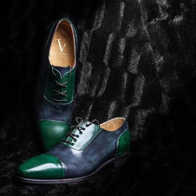 venenare:  The #amazing #vénénaré #dandy #shoes #black #emerald #green #dark #men #menstyle #style #fashion #unique #mode #luxury #dandyshoes #shoesaddict #handcrafted #gentlemen