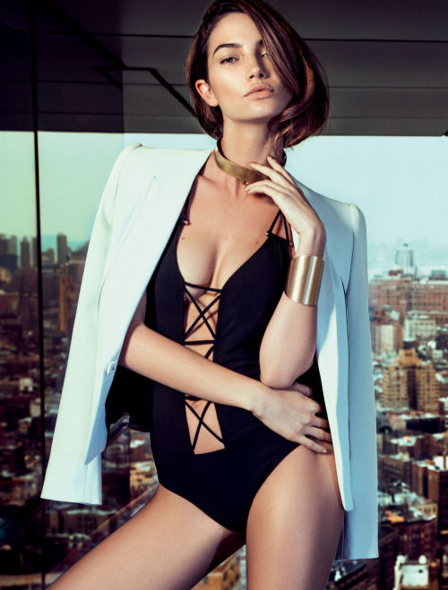 Gorgeous Lily Aldridge glams in front of Eduardo Rezende's lens for the April edition of Brasilian Elle magazine, styled by Mary Fellowes. Hair and make-up by Claudio Belizario.