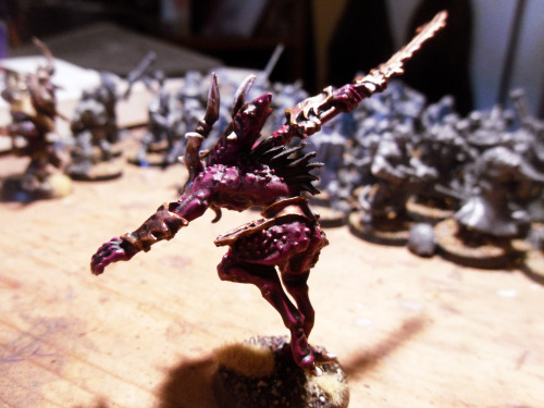 Herald of Khorne! This dude replaces my older Herald of Khorne, who has now been downgraded to a Bloodreaper. (sadtrombone.wav) I absolutely hated the skullchain and base that came with him, so I chopped 'em off. Otherwise it's a gorgeous and dynamic model.