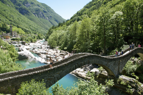 allthingseurope:  Lavertezzo Bridge, Ticino, Switzerland (by renzoeivana)
