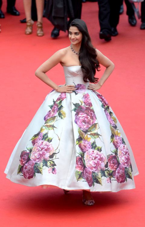 hollywood-fashion:  Sonam Kapoor in Dolce & Gabanna at the Cannes premiere for Jeune & Jolie on May 16, 2013.