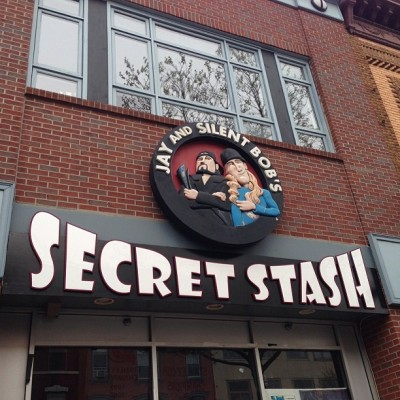 Road trip (at Jay and Silent Bob's Secret Stash)