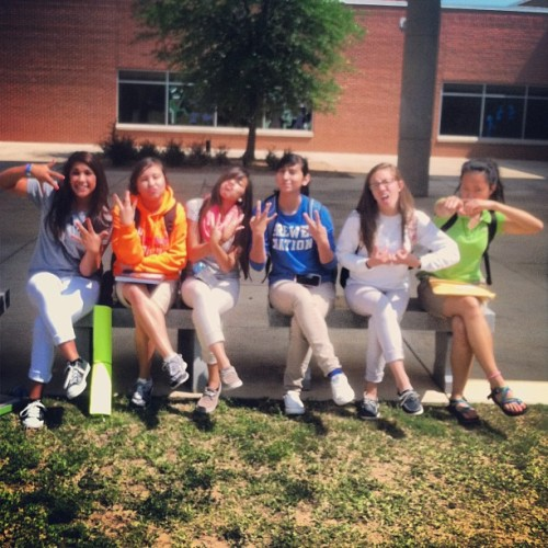 MA BABES 💋courtyard partyyyyy (at Brewer High School)