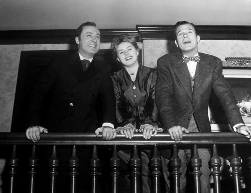 Charles Boyer, Ingrid Bergman and Joseph Cotten on the set of Gaslight