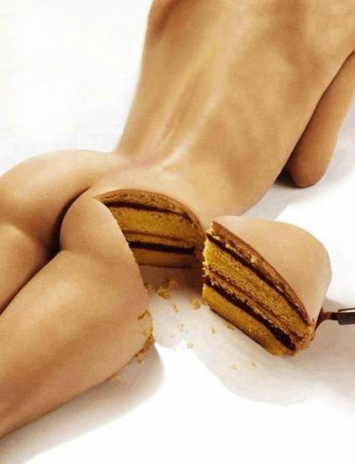 Bum and cake in one? This is the best post ever.