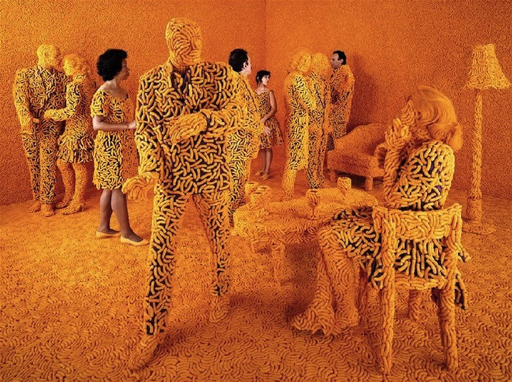 THE COCKTAIL PARTY © 1992 Sandy Skoglund