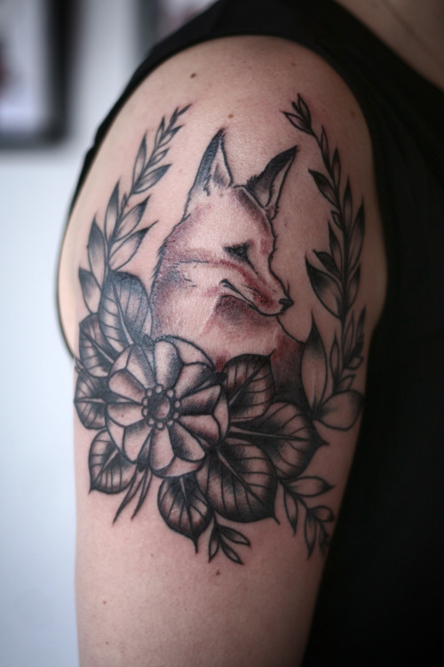 fuckyeahtattoos:  fox and wreath by alice carrier at anatomy tattoo in portland, oregon