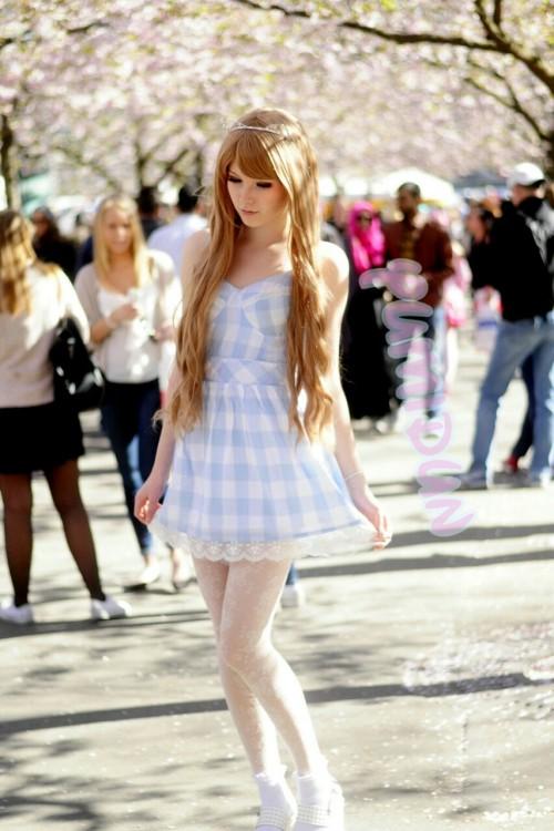 gyaru gal selca gaijin gyaru doll kawaii wig makeup japan japanese japanese fashion harajuku cherry blossom sakura yumidun