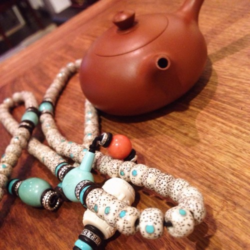 Beads and a #teapot. Good morning America