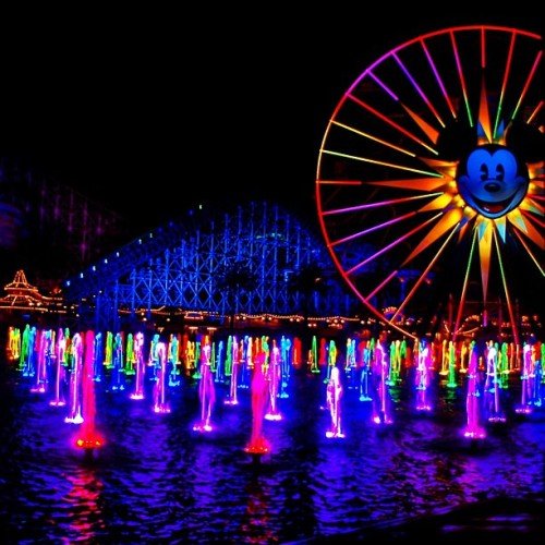 Wanting to go to DisneyLand so bad… #colorful #california #fun #summervacation #someday #tumblr