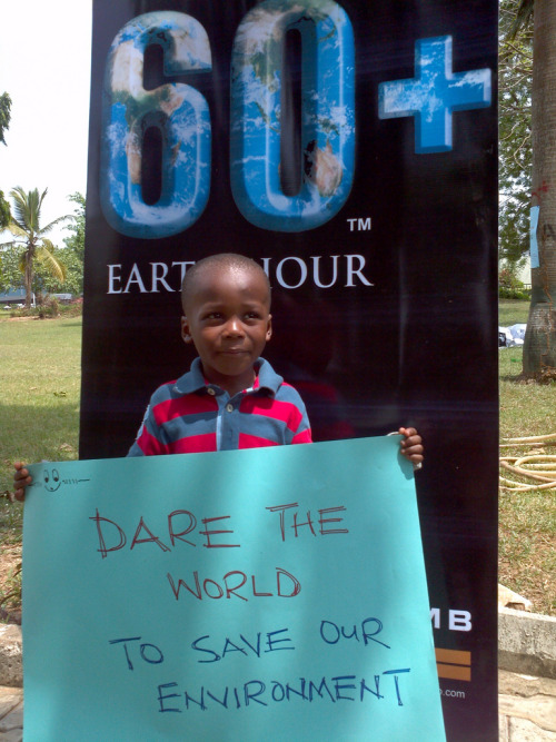 earthhour:  A young Earth Hour ambassador in Lagos, Nigeria, daring the world to save the environment. Image: ©WWF-Nigeria