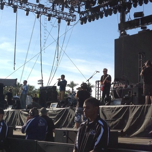 @cafetacuba @memetronic  (at Coachella 2013 Main Stage)