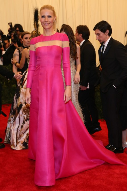 womensweardaily:   Gwyneth Paltrow in Valentino at the Met Gala Photo by Evan Falk