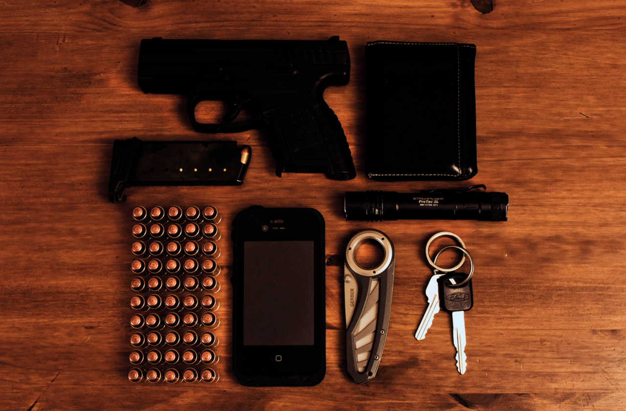 Murdered out CCW Every Day Carry Submitted By: mchaelgreen Walther PPS StreamLight Pro Tac 2L - Purchase on Amazon Gerber Pocket Knife - Purchase on Amazon iPhone 4S in Life Proof Case - Purchase on Amazon Keys, Truck and Home. Wallet - Purchase on Amazon 40 S&W Ammo