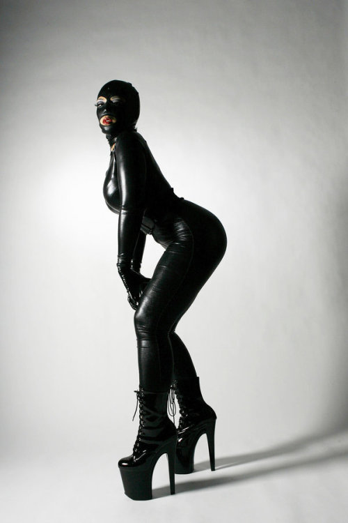 Lalatex full body shot by ~herodiade