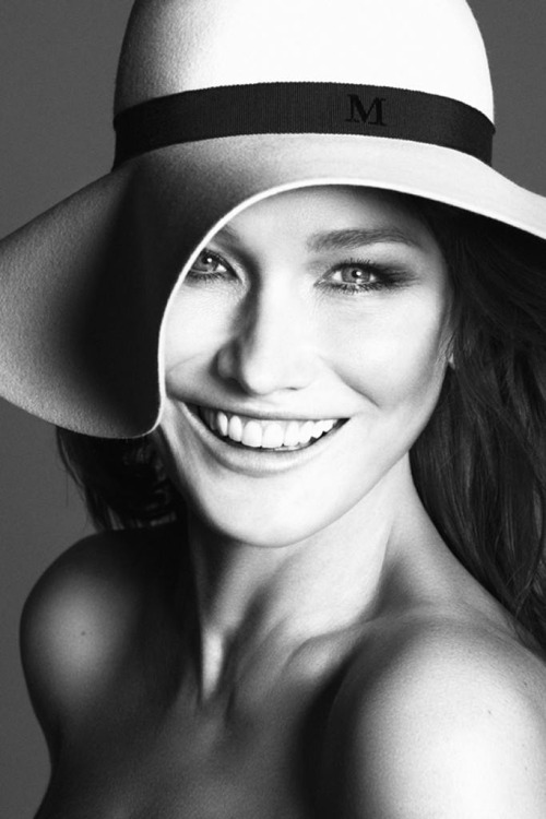 shakespearewasaclassist:  Carla Bruni-Sarkozy She is — without a doubt — the most beautiful woman in the world.