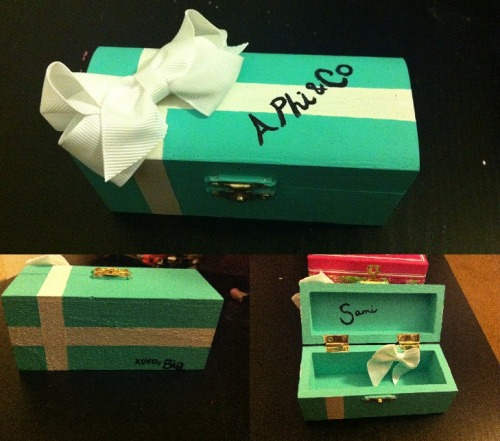 sororitycraft:  Tiffany & Co pin box I made for my little!