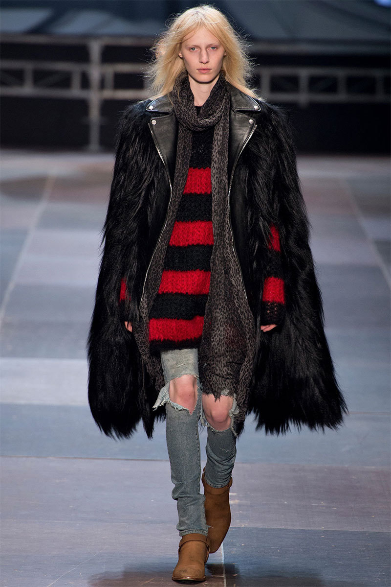 Saint Laurent Otoño/Invierno 2013La oscuridad es el ejercito total.________Saint Laurent Fall/Winter 2013Darkness is the total army.