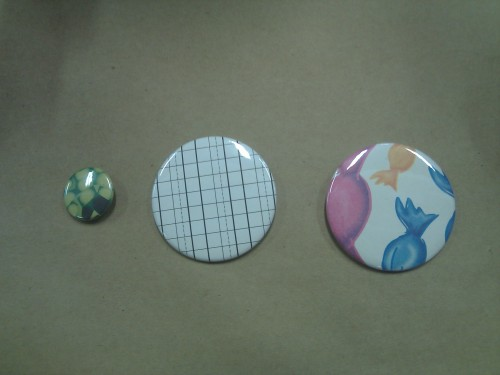 Ever wanted to make your own funky buttons? Does your student org want some buttons with your logo to hand out at your next event? Come learn how at Workroom Colum! Everyone loves buttons!
