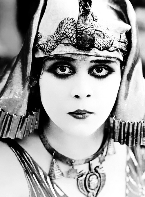 hollywoodsgoldenage:  Theda Bara as Cleopatra
