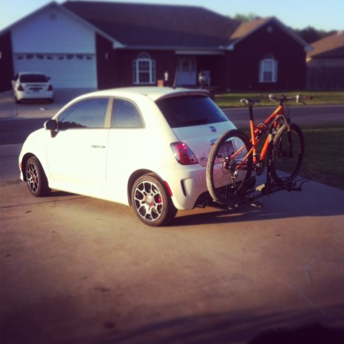 FIAT 500 + HITCH RACK