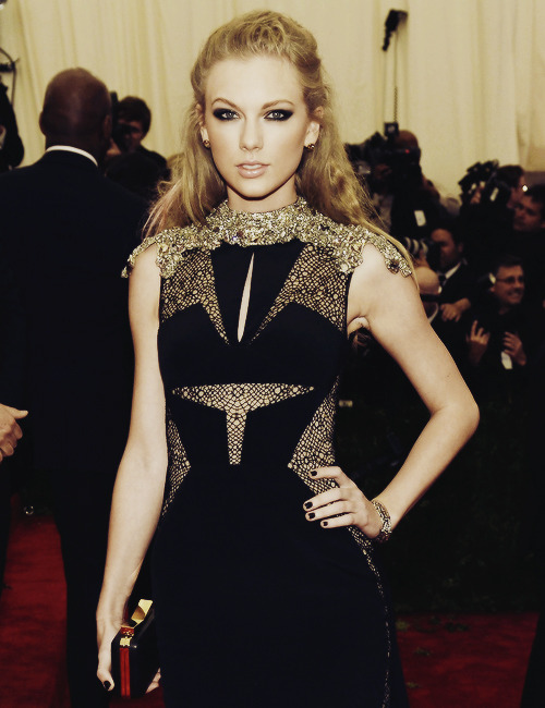 Taylor Swift attends the Costume Institute Gala for the 'PUNK: Chaos to Couture' exhibition at the Metropolitan Museum of Art on May 6, 2013