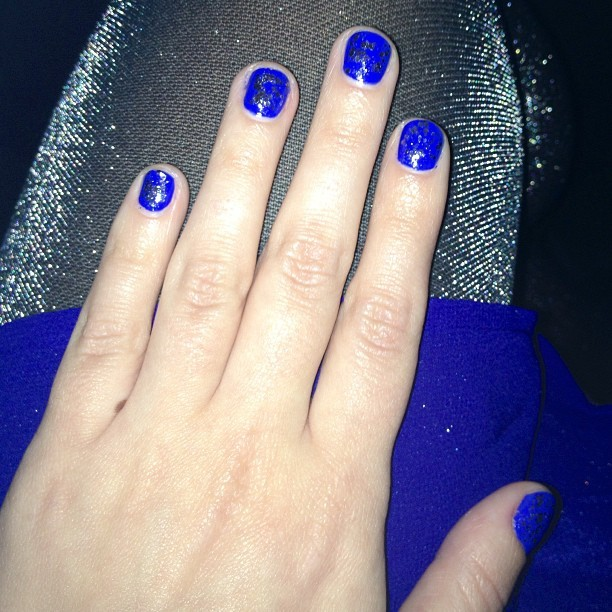 Unintentionally matchy, with royal blue + sparkle. I'm like the Chanukah Fairy!