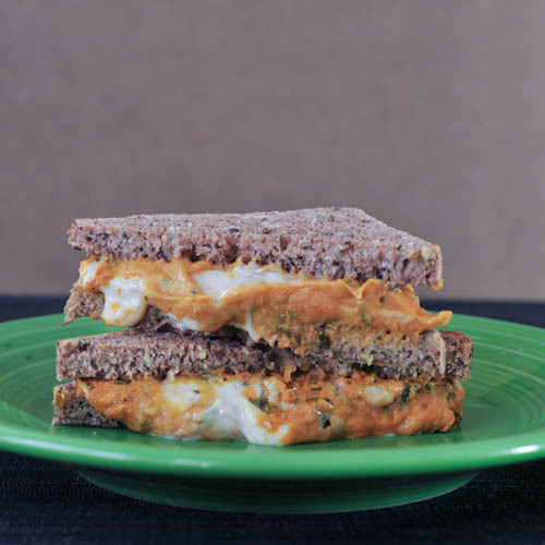 veganrecipecollection:  (via basil butternut grilled cheese)