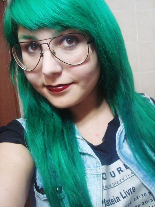 """my hair green today."" Love! Thanks for the submission."