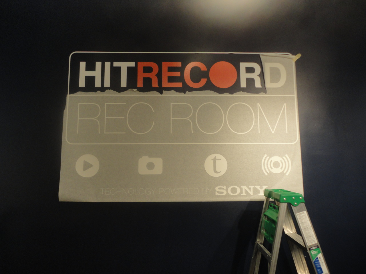 raineydaze:  hitrecord:  The REC Room at Sundance - a work in progress. :oD   The hitrecord REC room at the Sundance Film Festival opens in less than 2 minutes! I hope everyone at the festival has fun and stops by to hit RECord!