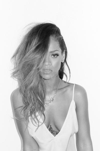 deflaw:  deflaw:  my edit, not photo! rihanna x  wheeeeee