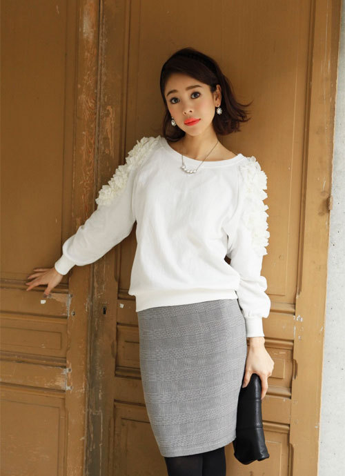 sweat pencil skirt clutchbag necklace pierce autumn
