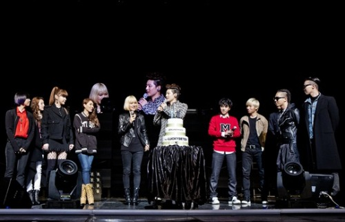 [PHOTO] 130309 YG Family Press Photo @ SE7EN's Thank U Concert Source: Nate.comRe-uploaded by: EROMAKNAE