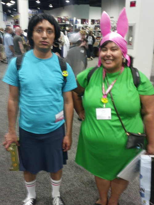 charlieusername:  joylessbutcher:  I saved my favorite cosplay from Wondercon for the last photo.. Tina Belcher and Louise Belcher  That's a cute couple!