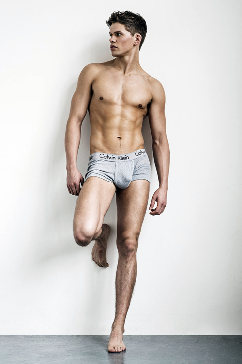dutchsander for my complete and growing sydneytwinks http://www.neofic.com