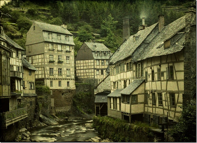 two weeks!  (via Autochrome Photographs of Belgium 100 Years Ago)