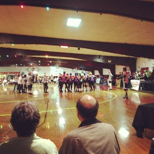 Salisbury Roller Girls at work! MoSmash killin it goating the other team! #rollerderby #derby #girls #fempower @salisburyrollergirls @smashdalessio @pmortem666