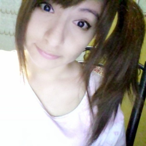 #webcam  #selfie  #instaphoto  #instapick  #instalike #peinado #coladecaballo #amarrado #cerquillo #makeup #style  #noche #night  #madrugada #white  #pijama #pijamada #long #comoda #fresh #maquillajedenoche #moda #fashion  #my #face #fashionblogger  #pale #cute #Sweet  #angelic #asianstyle