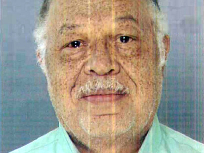 "goandannouce:  Gosnell Worker: Baby ""Jumped"" When I Snipped Her Neck in Abortion A second Delaware woman who worked at Dr. Kermit Gosnell's abortion clinic testified today that it was ""standard procedure"" to snip the necks of any babies that were delivered by patients before the abortion procedure due to labor-inducing drugs. And Lynda Williams, 44, of Wilmington, said Gosnell taught her how to flip the body of the baby over and snip its neck with a pair of scissors and recalled one time when she followed these orders and saw the child move. ""It jumped, the arm,"" she said, showing the jury by raising her arm. Earlier she testified, ""I only do what I'm told to do … what I was told to do was snip their neck."" http://www.lifenews.com/2013/04/09/gosnell-worker-baby-jumped-when-i-snipped-her-neck-in-abortion/ abortion is murder and a death sentence for the unborn (Pope Francis), and the born as well"