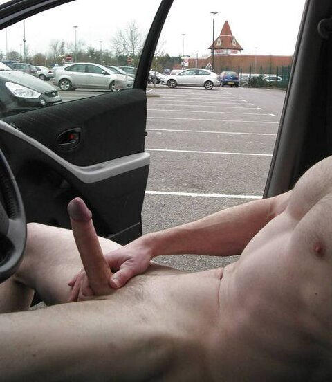 naked1000:thefagmag:Hot rodNice looking hard dick