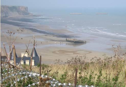 Après le festival de Deauville il ne faut pas oublier notre geai moqueur avec l'affiche définitive du film et des apparitions du geai moqueur sur les plages de Normandie. Il ne faut plus qu'attendre le 19 novembre!