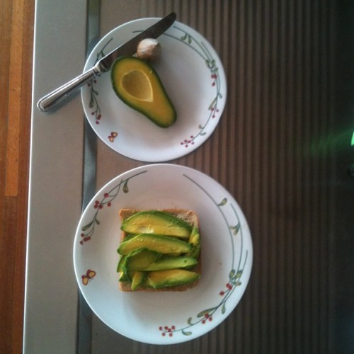 Good morning breakfast. #avocado #bread #toast #avo #avoontoast #avacadoontoast #green #instafood #food #instayum #yum #sirtagaalot #healthyfoodcauseyolo #foodgasim #foodporn #poppedamollyimsweatin #foodorgasim #nofoodinthehouse