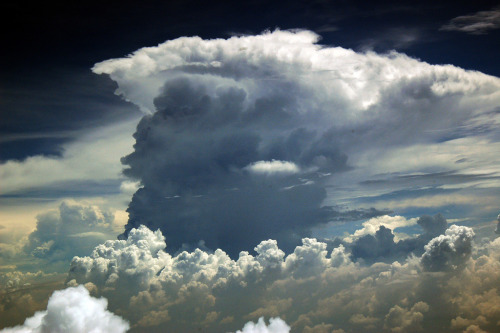 efidelity:  clouds 2 (by bluefam)