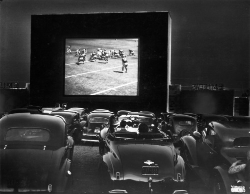 natgeofound:  Cars parked at a drive-in theater with a 53-foot wide screen in Alexandria, Virginia, December 1941.Photograph by J. Baylor Roberts, National Geographic