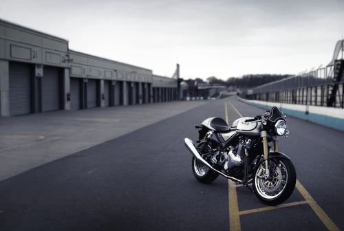 manchannel:  Norton Commando 961 Cafe Racer