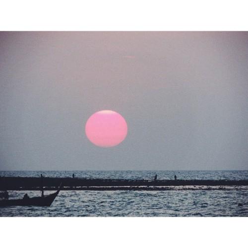 observando:  Sun at Ao Nang, Thailand, by Axel Marazzi. More on my Instagram.
