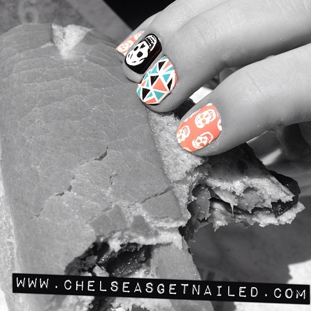 Nails + food = 2 of my favorite things 💅🍞🍕🍔